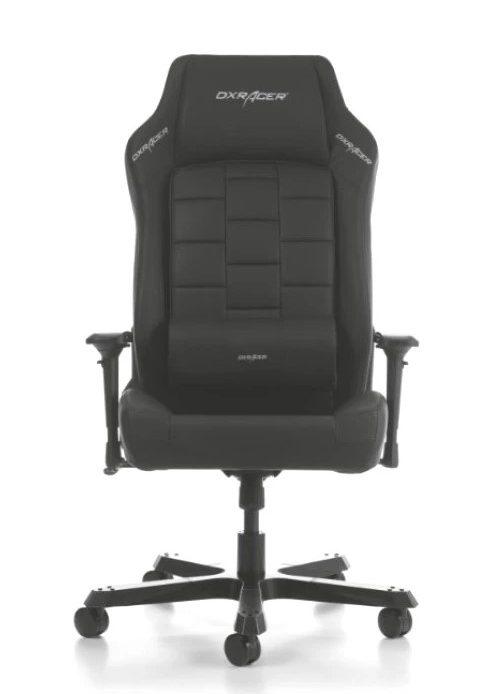 En total svart spelande stol