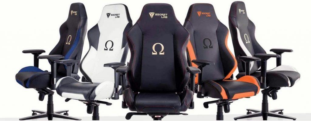 Fem Omega spel stolar